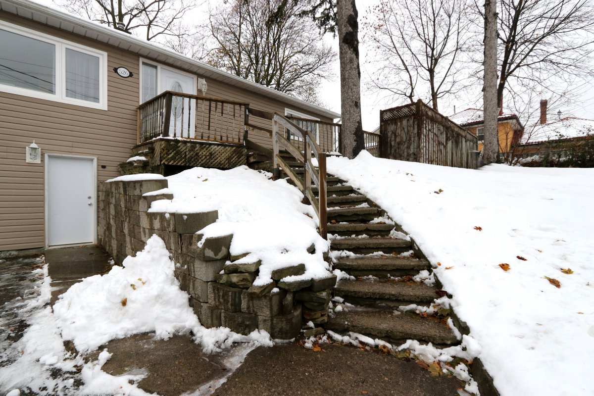 526 Guelph St Norval 05