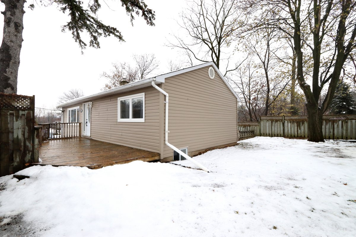 526 Guelph St Norval 34